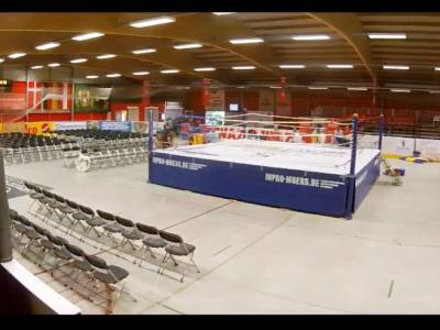 Video: Hockey-Arena: Umbau zur Boxarena
